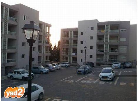 4 חדרים עם חניה ומעלית בגבעת עדה; קרדיט: יד2