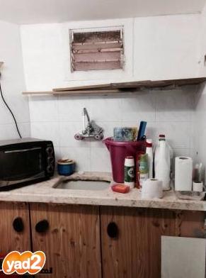 דירה עם תקרה נמוכה בחיפה; קרדיט: 'יד2'