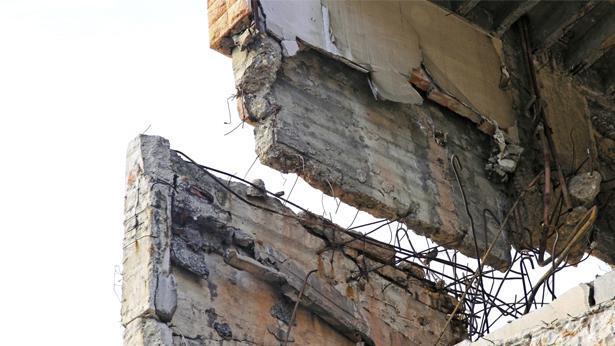 בניין מתרסק, צילום: Getty images Israel