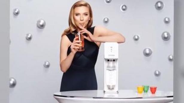 סקרלט גו'הנסון בפרסומת של סודהסטרים, צילום: פרסומת סודהסטרים