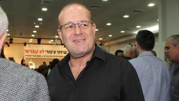 """מקול ישראל לרמת החייל: יגאל רביד בהופעת אורח ברדיו ת""""א"""