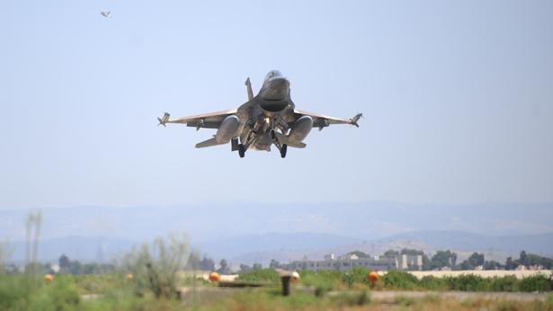 """מטוס חיל האוויר, צילום: דובר צה""""ל"""