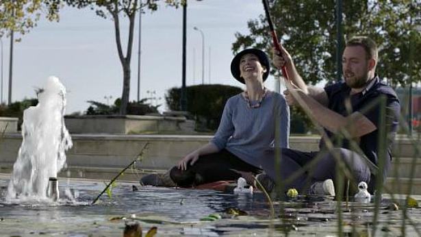 """הזמן טס כשיורדים למדבר: מקאן וואלי מציין 3 שנים בסרטון עם """"כוכבים בעיניים"""""""