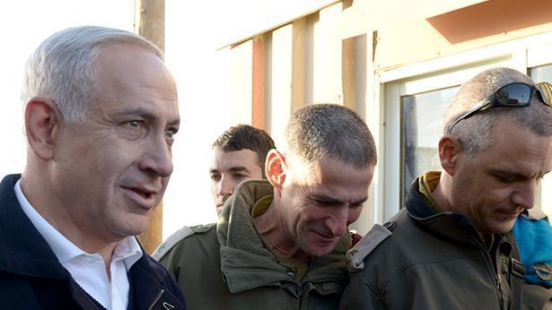 """אלוף יאיר גולן (במרכז), צילום: לע""""מ"""