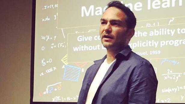 ביג אין דאטה: רוי זוארץ מנהל קריאייטיב טכנולוגיה בבאומן