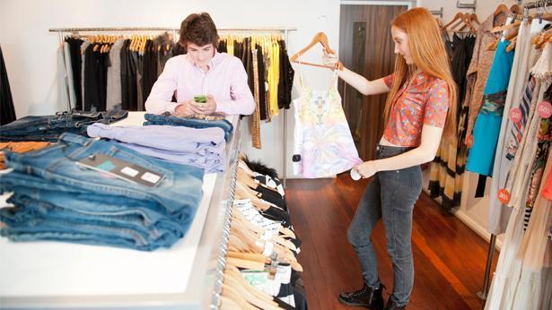 חנות בגדים, צילום: גטי אימג'ס ישראל
