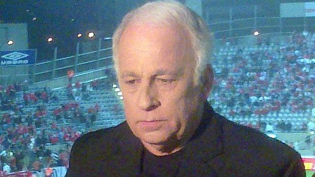 למה עיתונאי הספורט הוותיק כתב אצל המתחרים בשם עט?