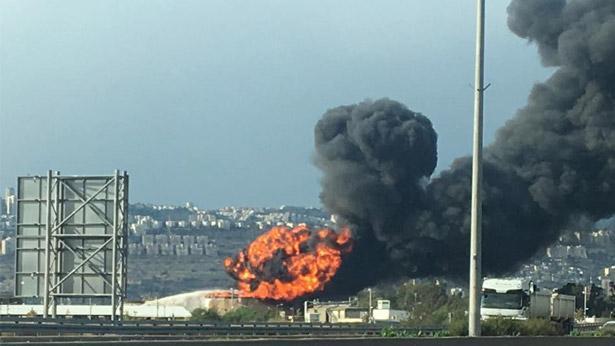 השריפה בבית הזיקוק בחיפה, צילום: כבאות והצלה מחוז חוף