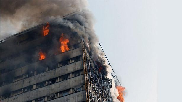 קריסת בניין הפלאסקו בטהרן, צילום: AFP