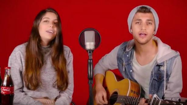 קוקה קולה במהלך ולנטיינ'ס: הלחינו שירי גולשים עם הצמד עמית וג'וני