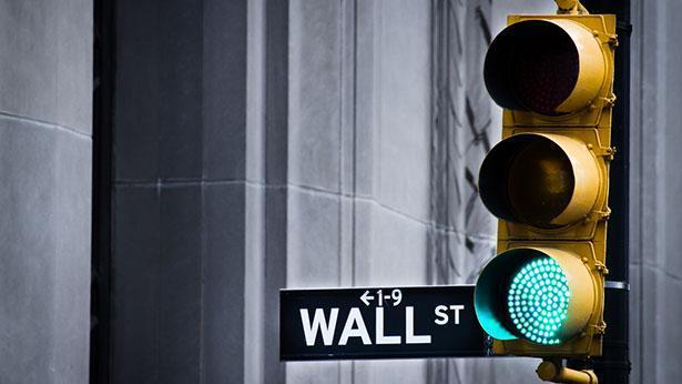 אור ירוק בוול סטריט, צילום: גטי אימג'ס
