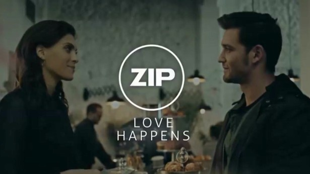 ביי ביי הארד סייל: ZIP בטוויסט נפלא עם סרט כפול