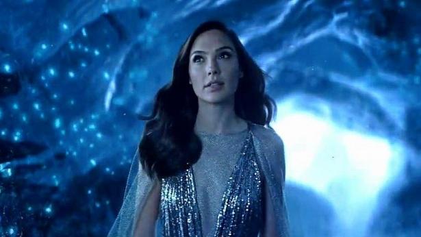 """גל גדות בפרסומת לוואווי P20 החדש, צילום: יח""""צ"""