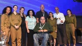 """אנשי נגישות ישראל והתכנית 'יהיה בסדר', צילום: יח""""צ"""