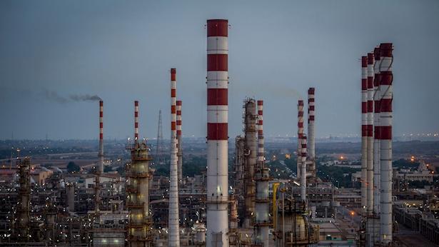 מתקן נפט וגז, צילום: בלומברג