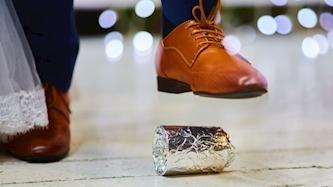 שבירת כס בחתונה, צילום: iStock
