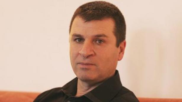"""מנכ""""ל NRG מעריב מוני ברוש התפטר - ומצטרף לחברת התקשורת של אבי בר"""