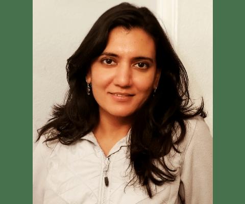 Aparna headshot