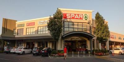 Pineslopes Shopping Centre
