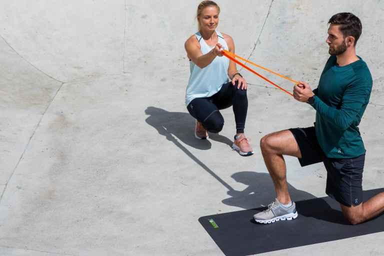 Paar beim Training mit Set