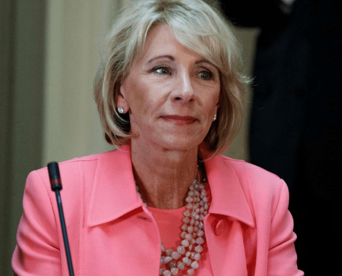 Naacp Special Education Advocates Sue >> Naacp Sues Betsy Devos Department Of Education Over Failure To