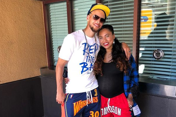9fa2e6d7092 Steph Curry Claps Back At Mad Houston Fans Leaving Bad Yelp Reviews ...