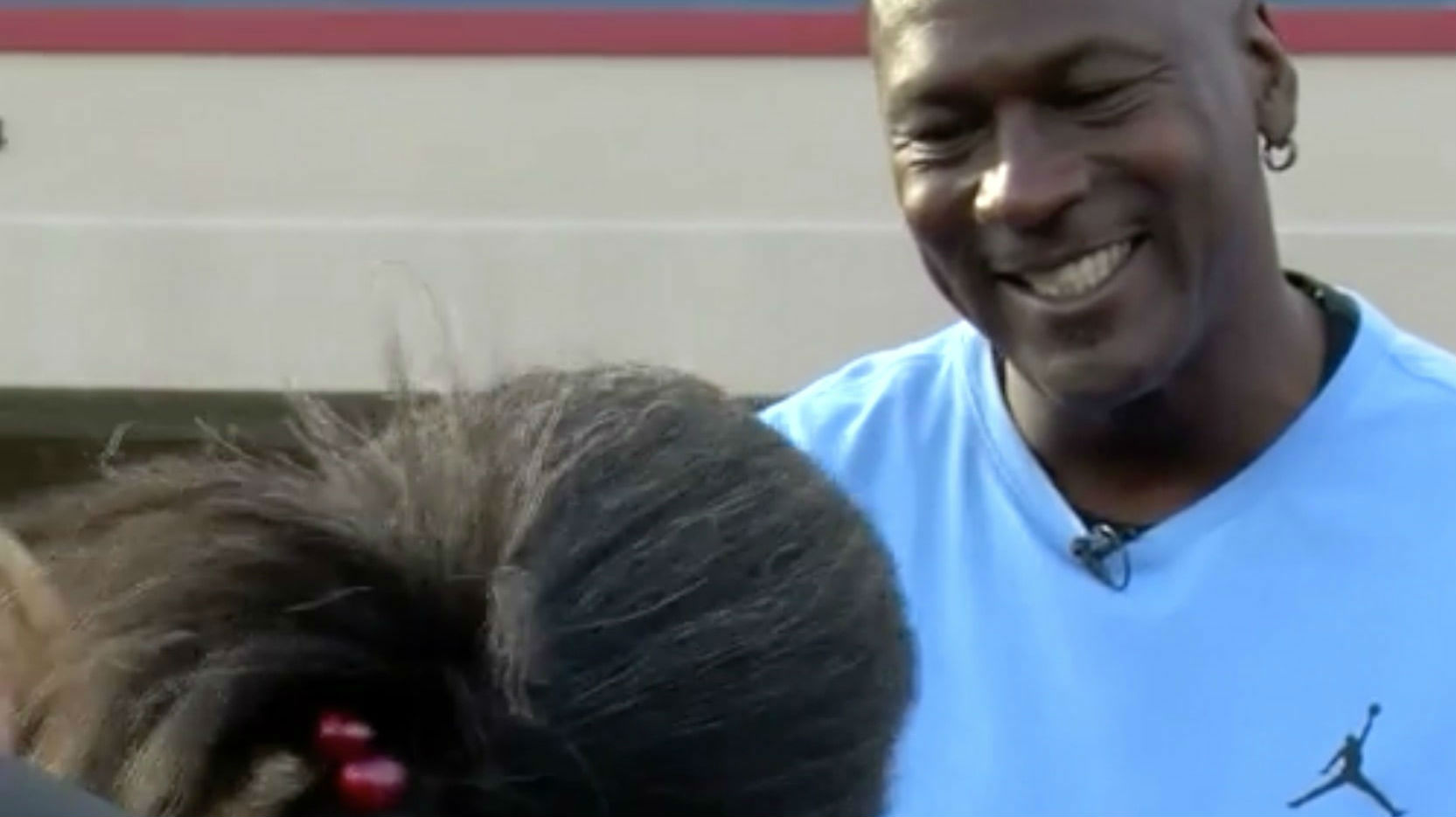 new arrival 24bc3 315e5 Michael Jordan Hands Out Thanksgiving Meals To Hurricane Florence Victims.  The hall of famer also gave out pairs of his signature shoe to children at  the ...