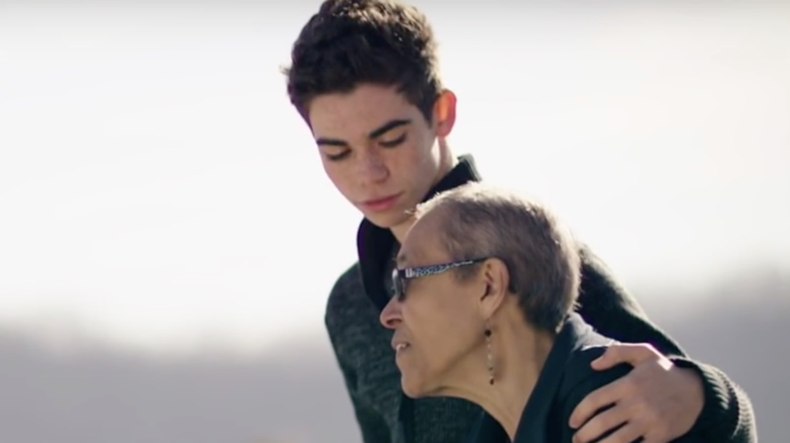 Disney actor Cameron Boyce honored by 'Jessie' cast after death