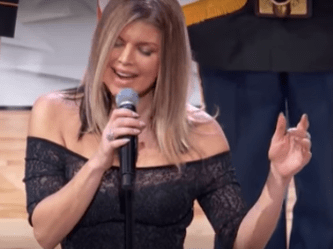 Twitter Shows Fergie No Mercy After She Performs The
