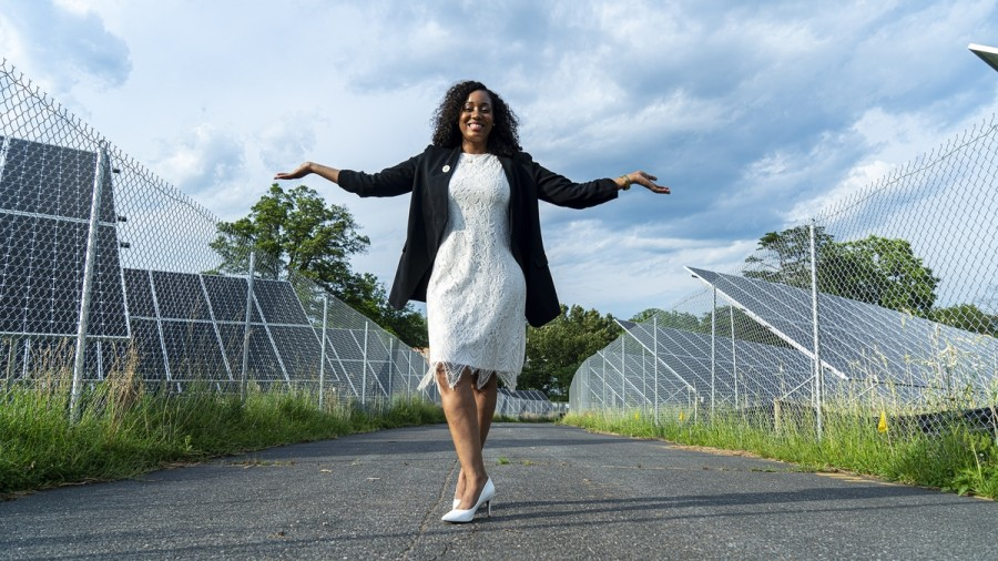 Kristal Hansley Is The First Black Woman To Launch A Community Solar Company And Did So On Juneteenth - Blavity