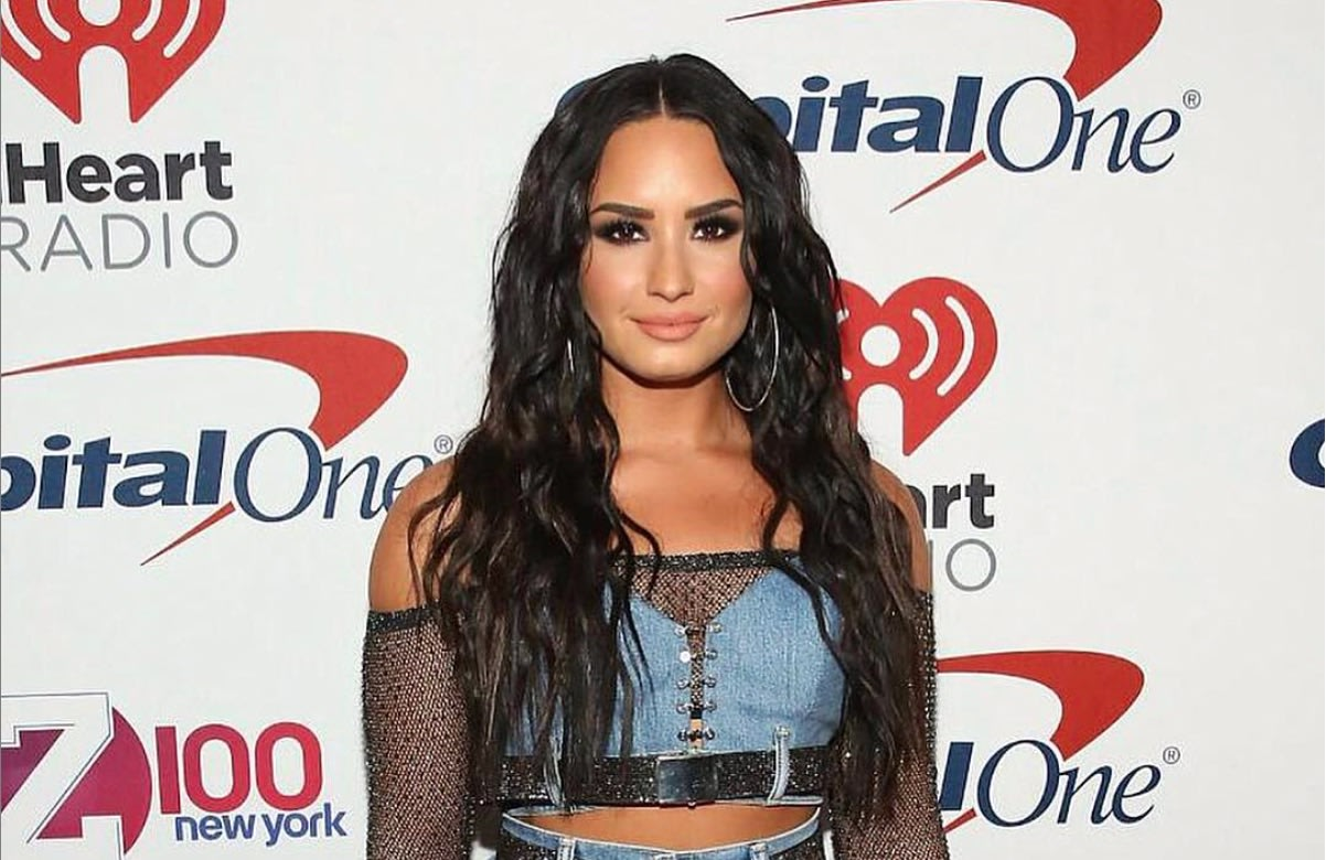 Twitter Telling Demi Lovato She Couldn't Laugh With Them Birthed The Most Hysterical Memes