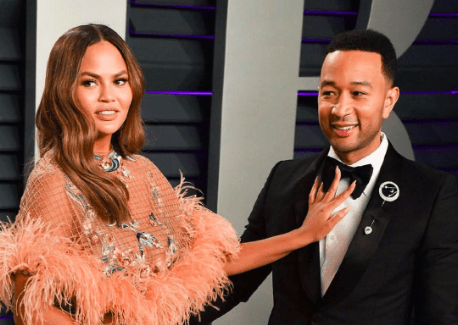Chrissy Teigen Calls Out Media Outlets Who Ask John Legend How He 'Deals With' Her