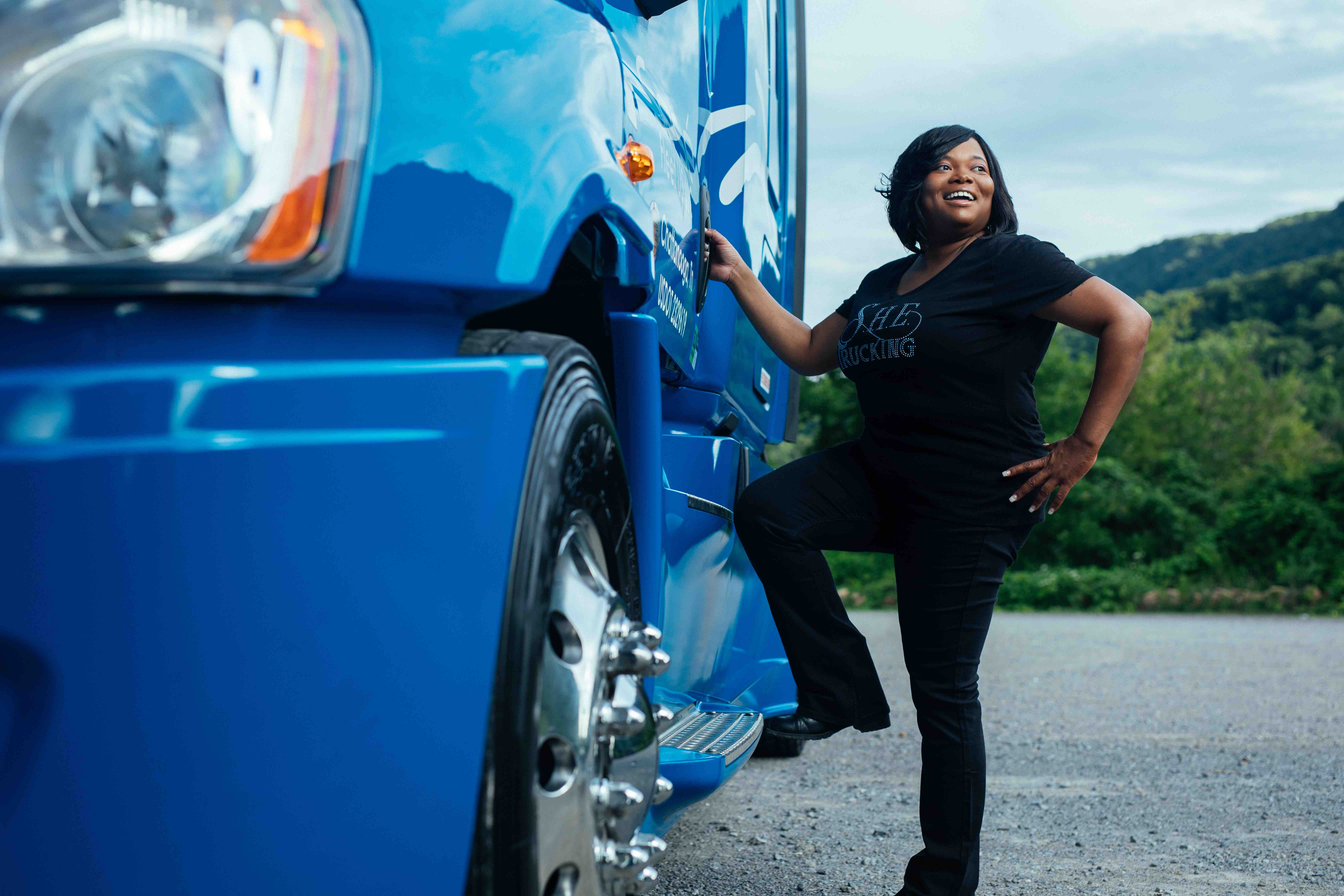 Here's How This Female Truck Driver Is Providing A Platform For Women In The Trucking Industry