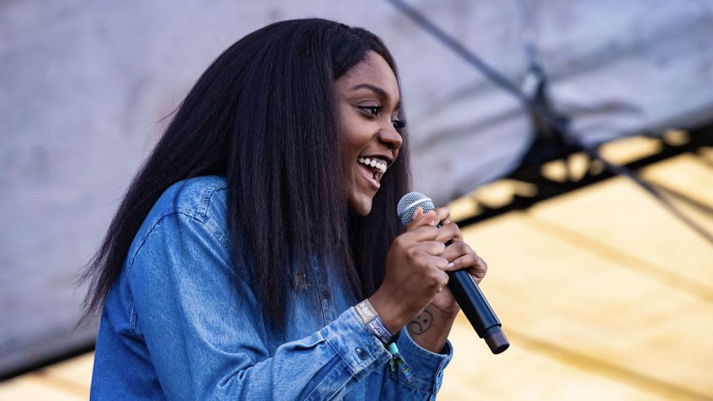 Chicago Rapper Noname Launches Book Club To Celebrate Writers Of Color