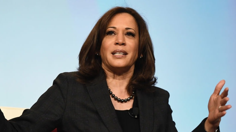 Kamala Harris Once Appeared In Lil Kim's 2006 Pre-Prison Documentary And Twitter Is Too Amused