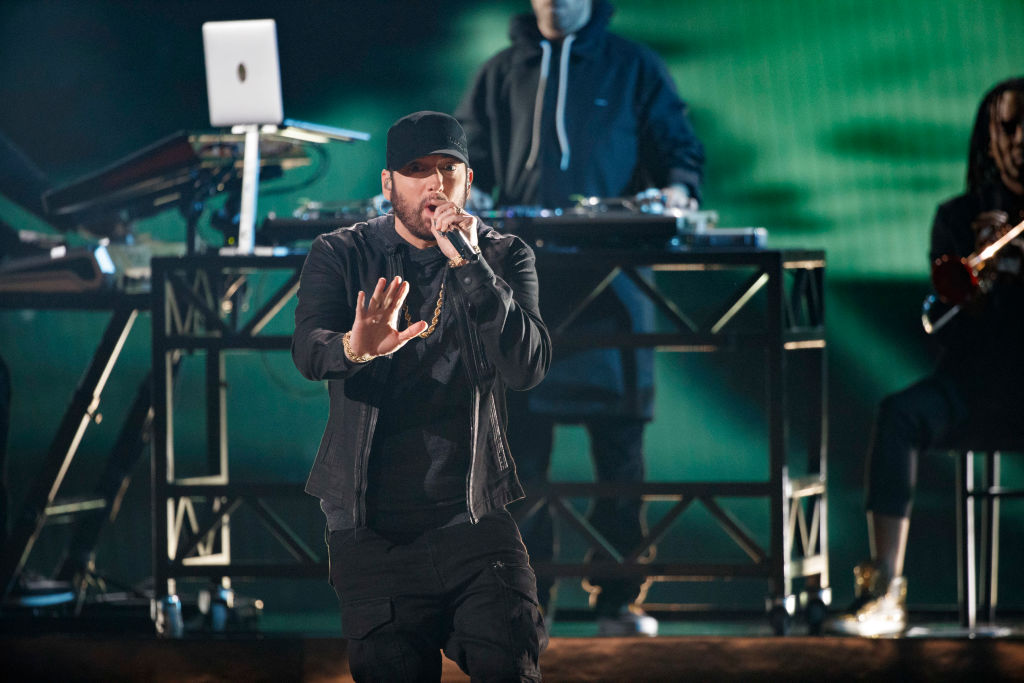 Twitter Is Still Scratching Its Head After Eminem Performed An 18-Year-Old Song At The Oscars