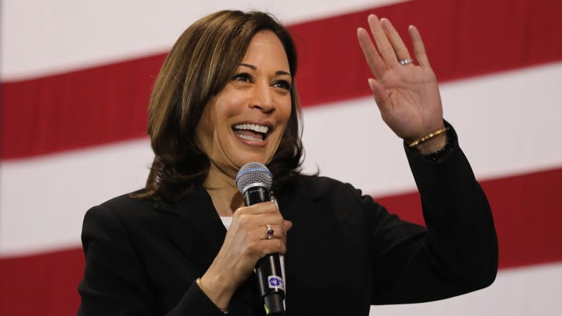 Comically Specific Donations From AKAs Began Flooding In After Kamala Harris' VP Nomination