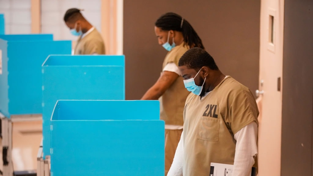 This Chicago Group Brought The Polls Directly To Those Incarcerated At A Local Jail
