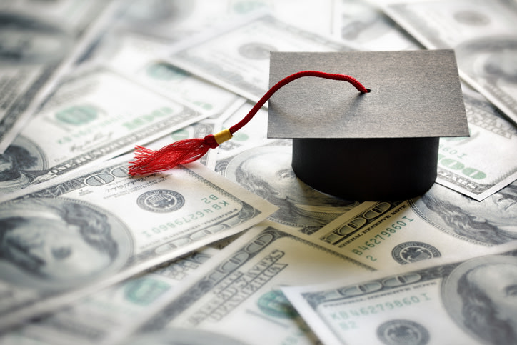 Chicago Bank Pays Off $150,000 In Student Loans For Customer And Single Mom
