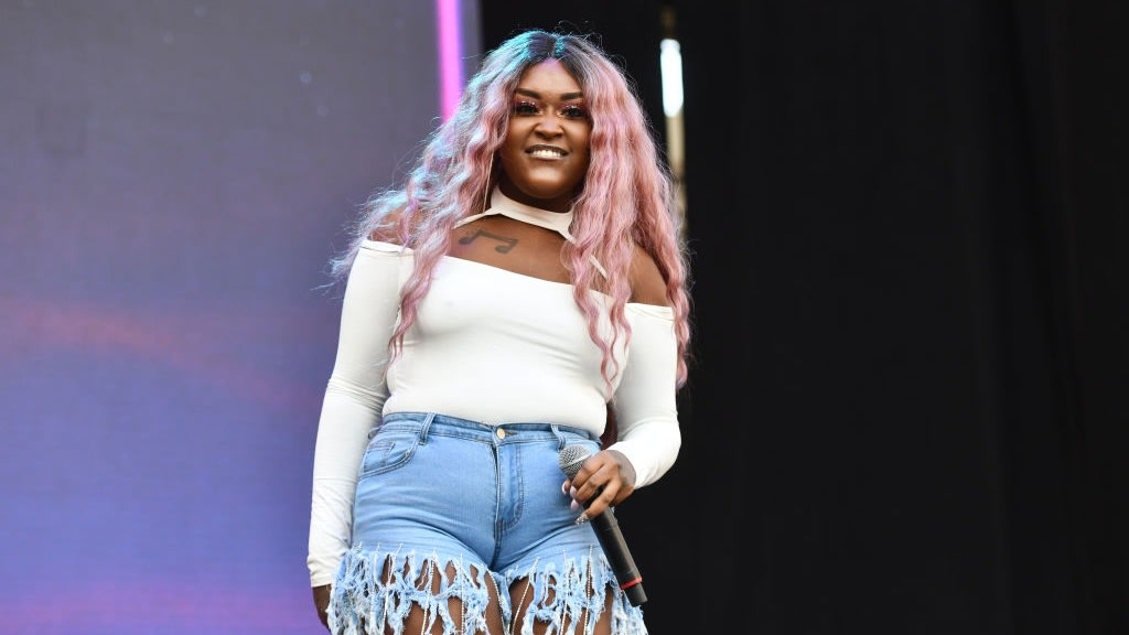 CupcakKe Spares No Rapper In 'How To Rob' Remix Taking Aim At Cardi B, Offset, Lizzo And More