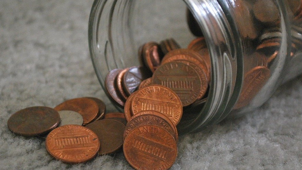 Father Dumps 80,000 Pennies On Daughter's Front Lawn As Final Child Support Payment