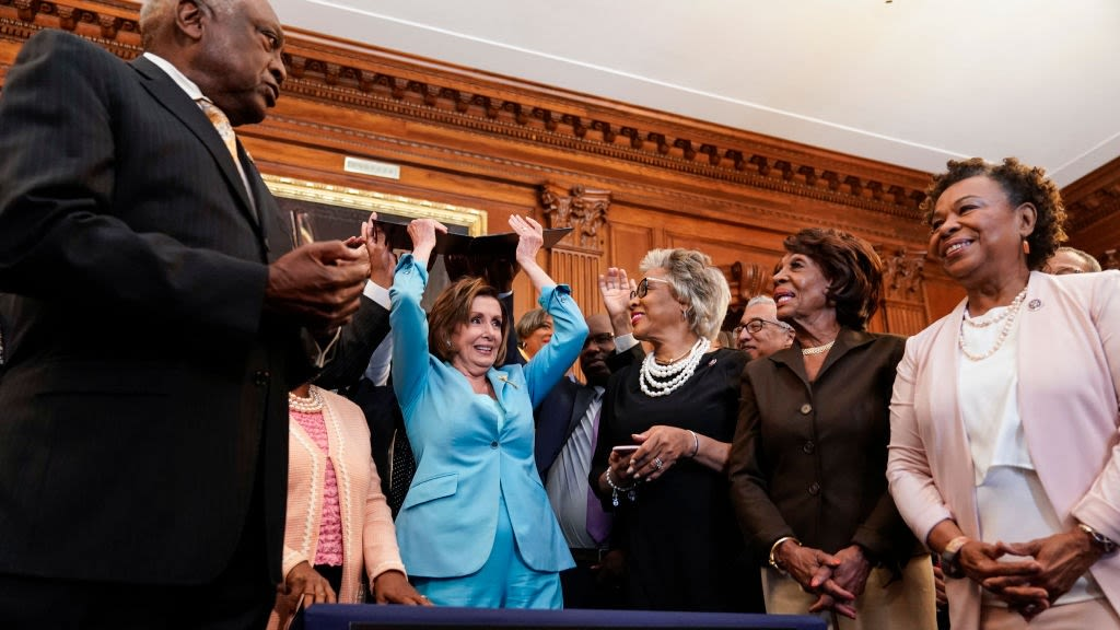 Looks Like Some Could've Done Without Nancy Pelosi Singing 'Lift Every Voice And Sing' With The Congressional Black Caucus