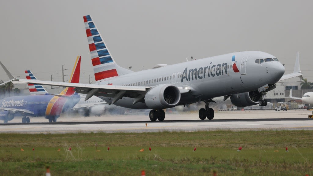 'I Suggest Spirit': American Airlines Airport Manager Shuts Down Karen Who Called His Employee A 'B***h'