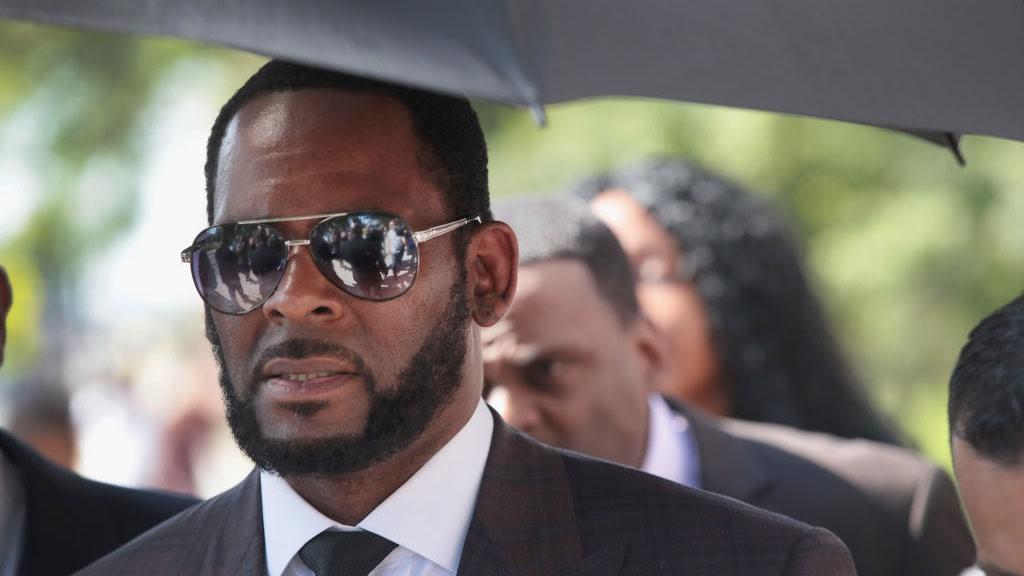 R. Kelly Revealed He Married Aaliyah At 15 So She Could Get An Abortion, Woman Testifies During Trial