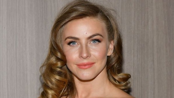 Julianne Hough Apologizes After Resurfaced Photos Remind She's Not Prime Material For A Show About Activism