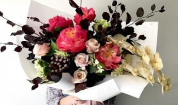Exquisite Flowers and Bouquets