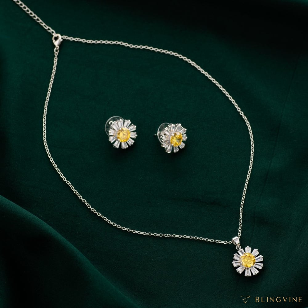 Sunbeam Pendant Necklace Set - Blingvine