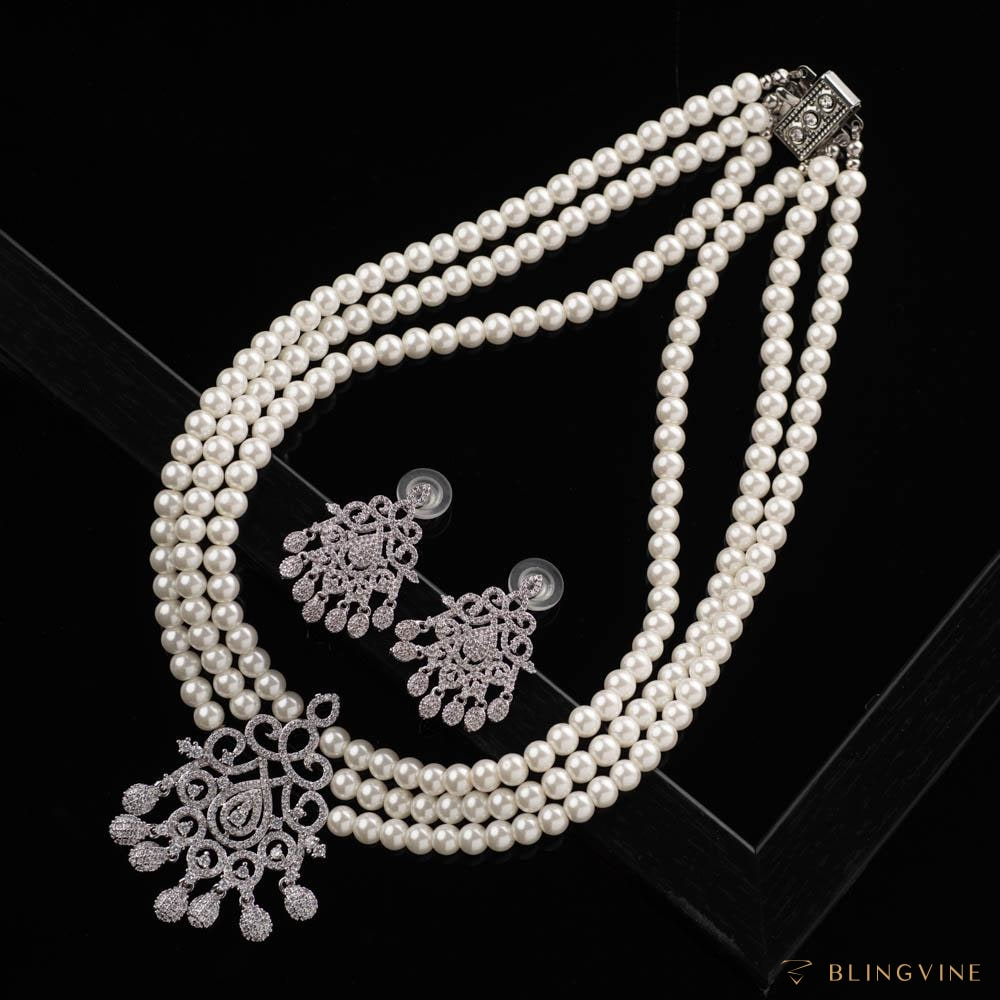 Moonlit Luxury Pearl Necklace Set - Blingvine