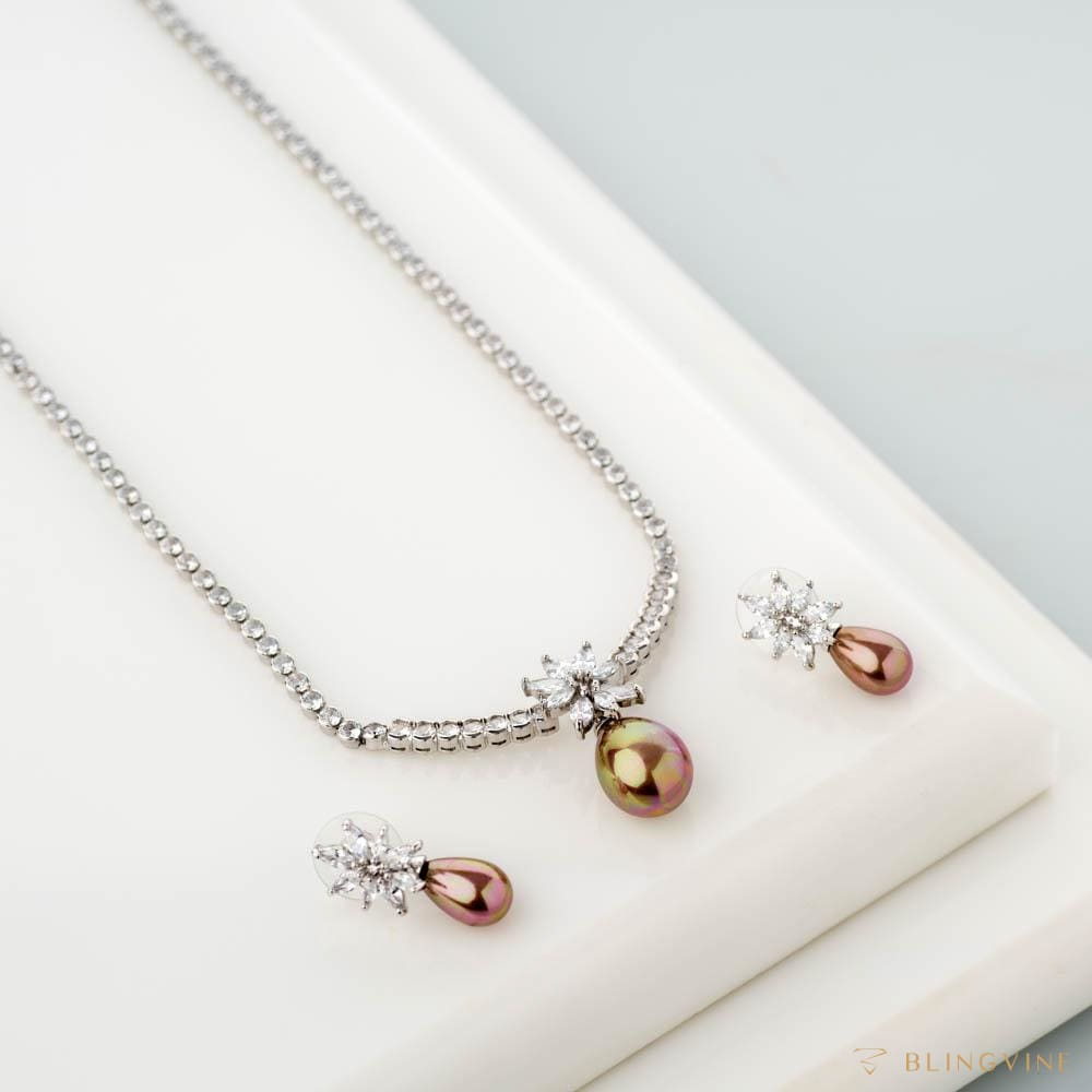 Diva Pearl Necklace Set