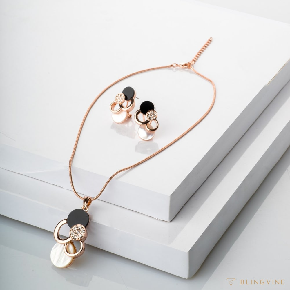 Polka Pendant Necklace Set - BlingVine